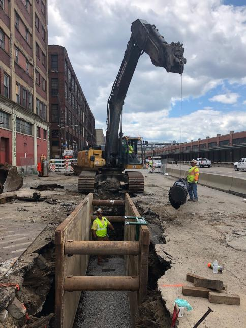 PWSA contractor replacing a water main on Smallman Street