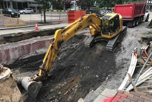 10th Street digging